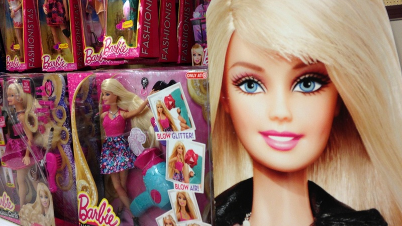 Margot Robbie to star as Barbie in live-action film