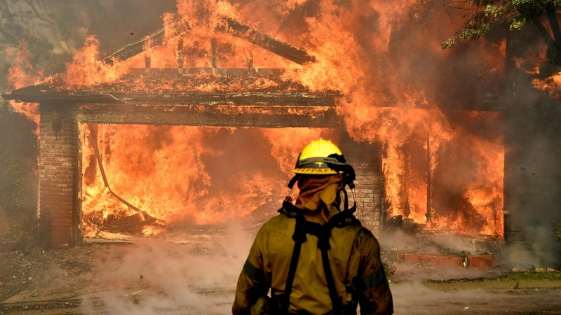 Trump threatens California wildfire aid