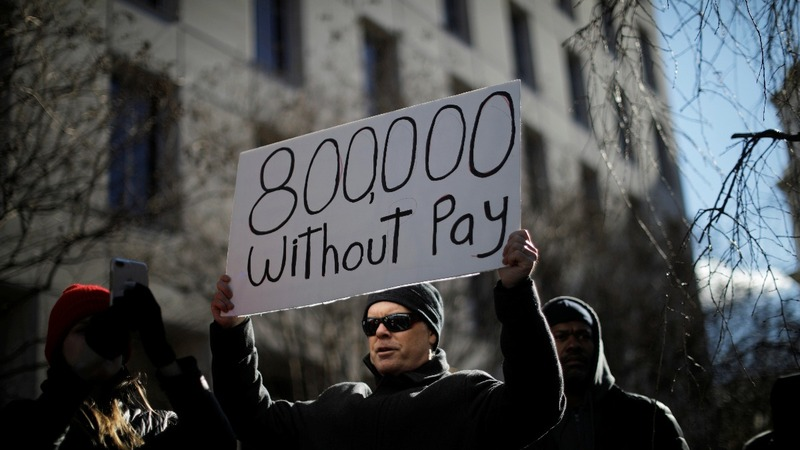 Shutdown hits the wallets of federal workers