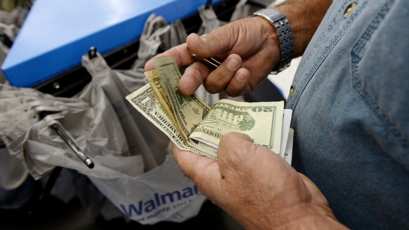Fears mount as shutdown threatens economic growth