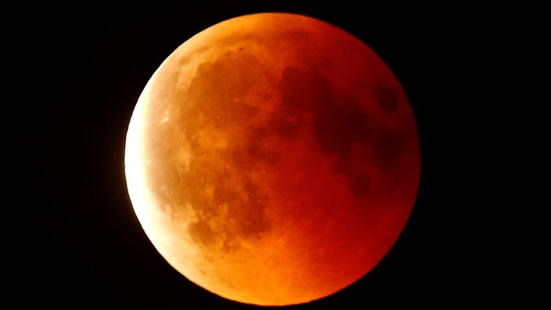 'Super Blood Wolf Moon' awaits howls of delight in U.S.