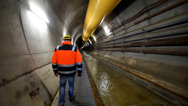 Tunnel exposes conflict within Italy's government