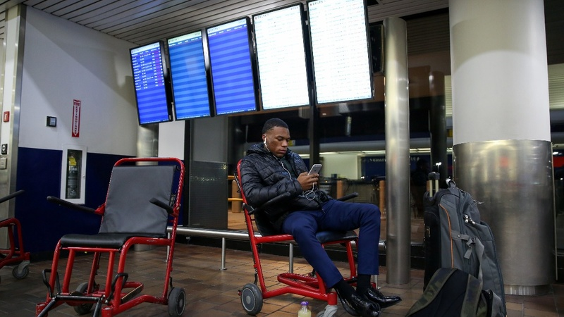 Flights delayed due to staffing shortages amid shutdown