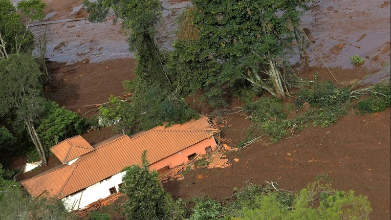 300 missing, mass devastation in Brazil dam burst