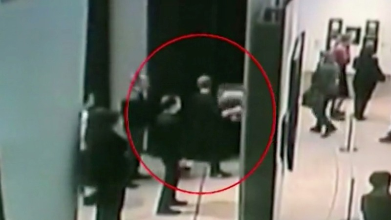 Russian police detain suspect after gallery heist