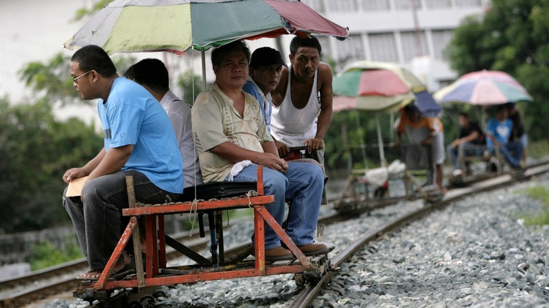 The 'trolley boys' saving Manila from gridlock