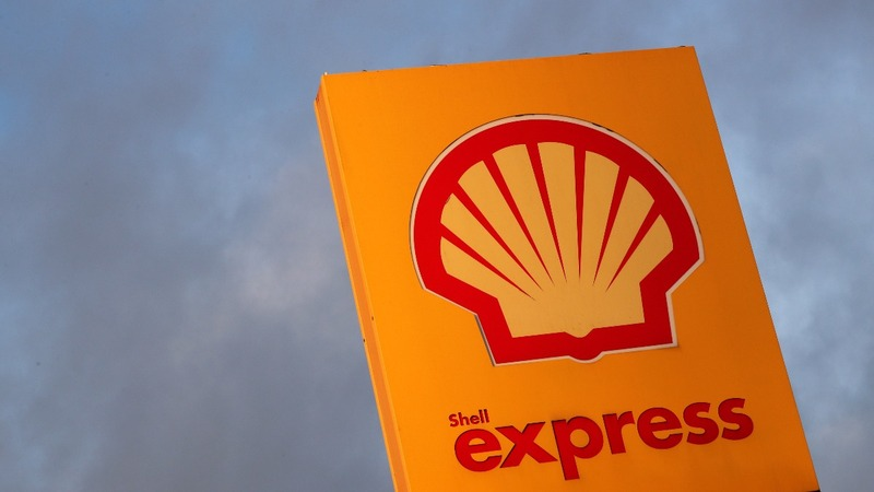 Shell spurts cash despite oil price slump