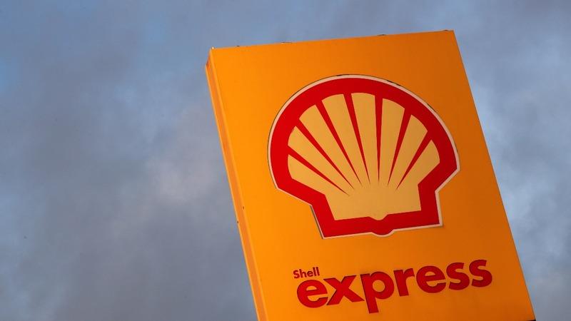 Shell spurts cash despite oil price slump