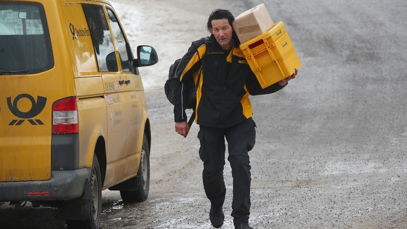 German postman delivers mail on highest mountain
