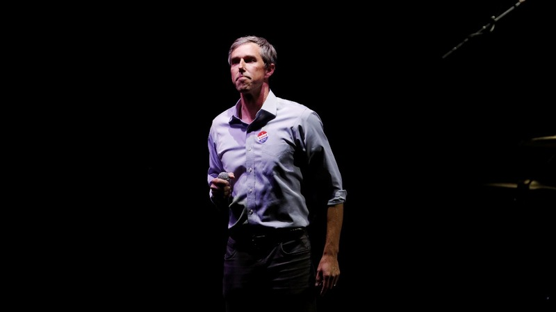 O'Rourke, Trump duel over wall in possible 2020 preview