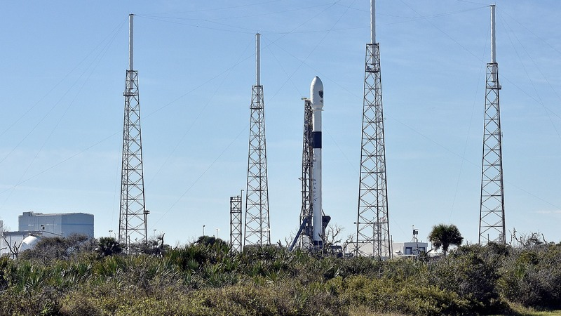 SpaceX faces Pentagon review of launch certification