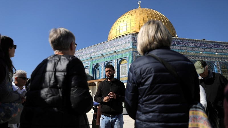 Jerusalem's dueling tour guides