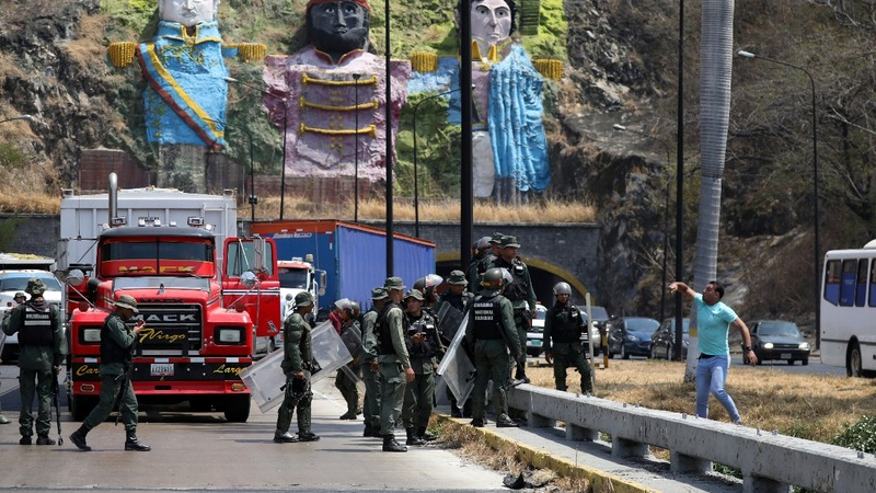 Guaido heads to Colombia border in aid standoff