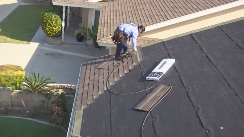 Smog-absorbing roofs to improve Californian air