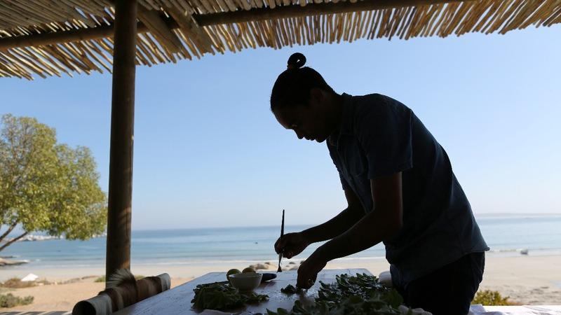 Remote S.African fish restaurant makes a splash