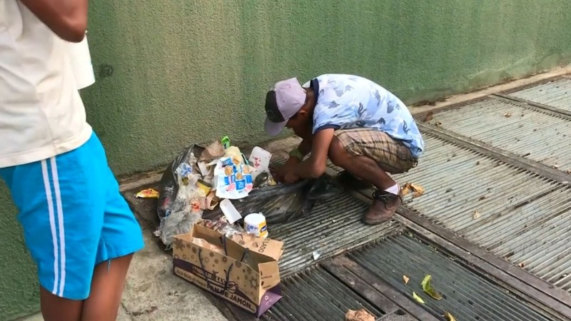 Venezuelans turn to trash for food amid crisis