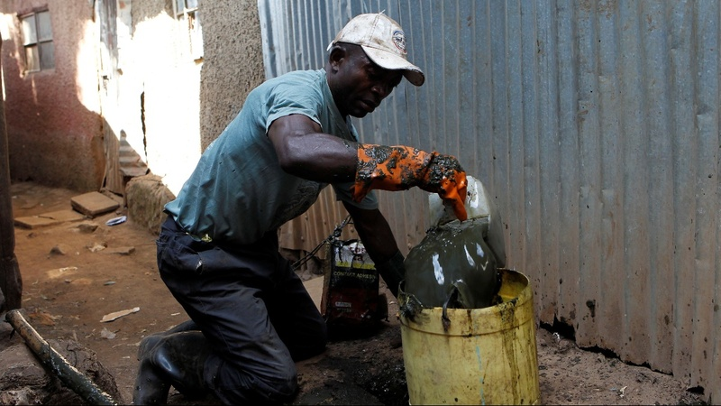 Kenyan slum faces problems with human waste