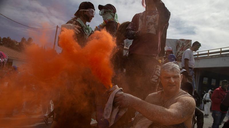 INSIGHT: Greeks enjoy messy annual tradition