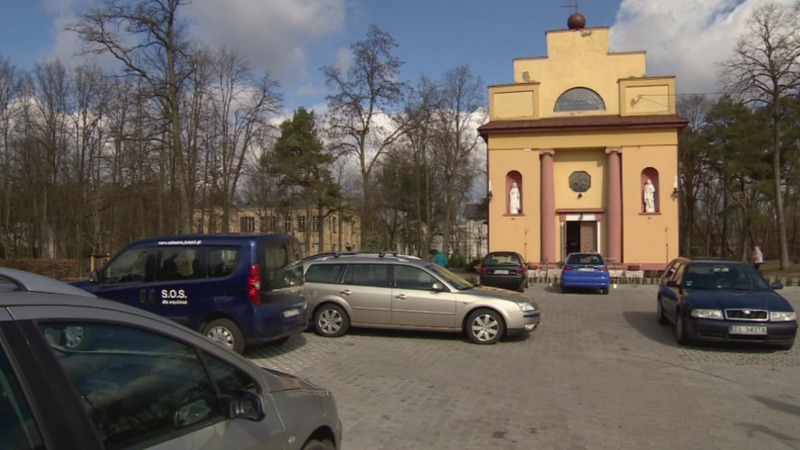 Polish drivers pray to pay for parking