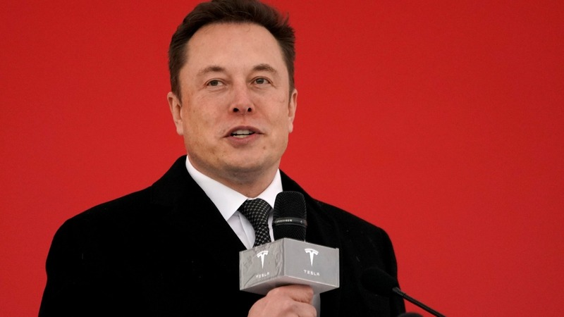 Musk's tweets spark fresh fight with SEC