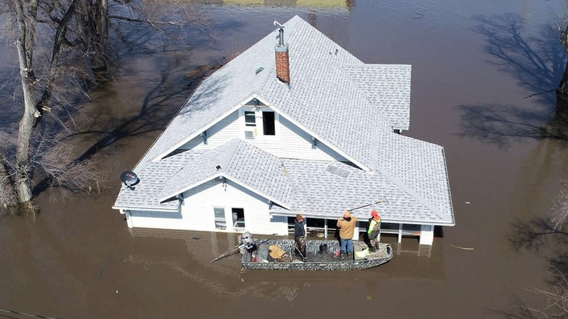 Deadly floods in Midwest cause widespread damage
