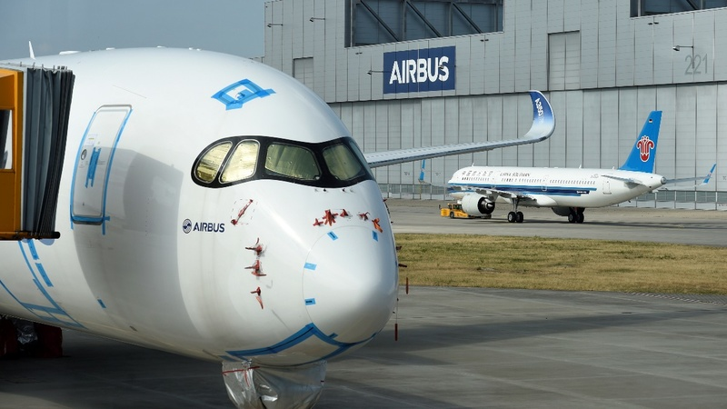 Airbus wins order for 300 jets from China
