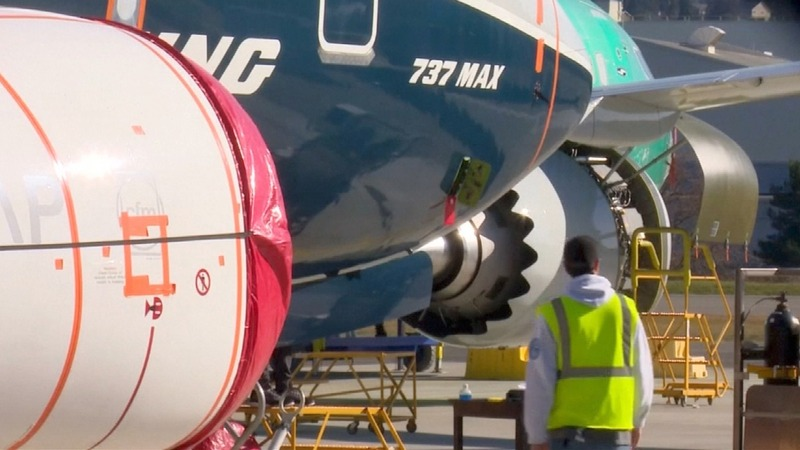 Boeing 737 MAX forced to make emergency landing