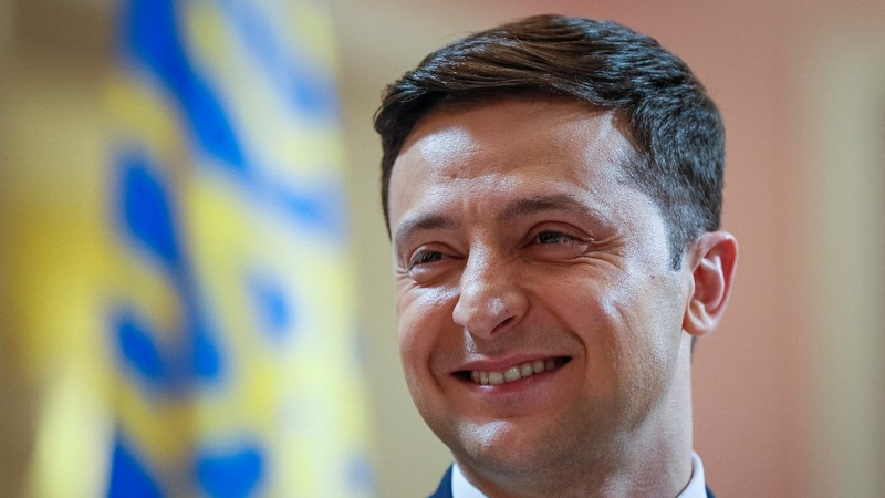 Comedian set to win round one of Ukraine election