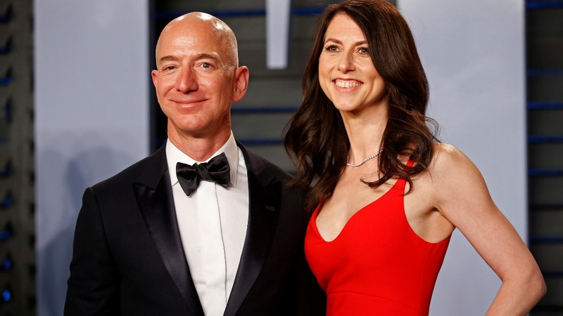 Bezos' ex-wife cedes Amazon control in divorce deal