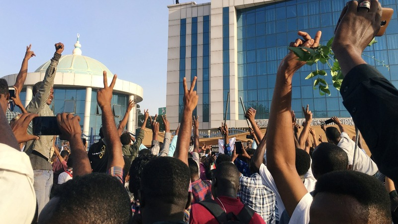 Warning shots fired at Khartoum protest site