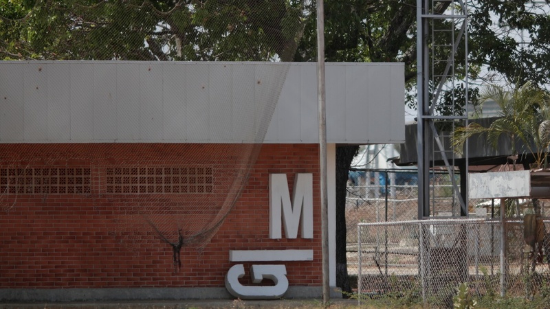 Blackouts threaten death blow to Venezuela's industry