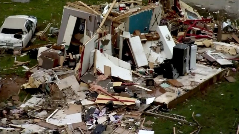 Texas town in ruin after tornado touches down