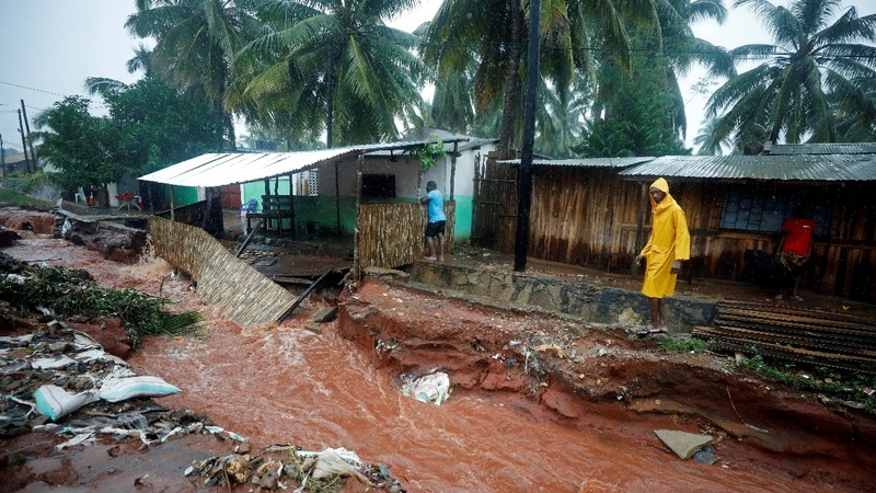 Flood destruction, families trapped in Mozambique