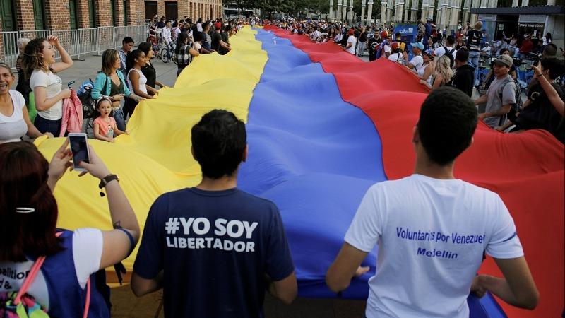 Cracks appear in bipartisan unity on Venezuela