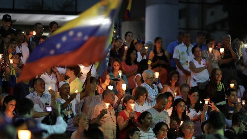 Pence to offer new 'carrots' to Venezuela military