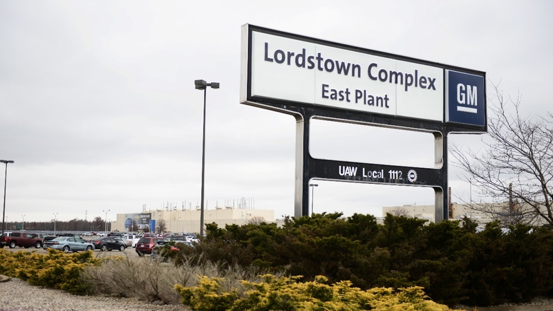 GM tries to save two North American plants