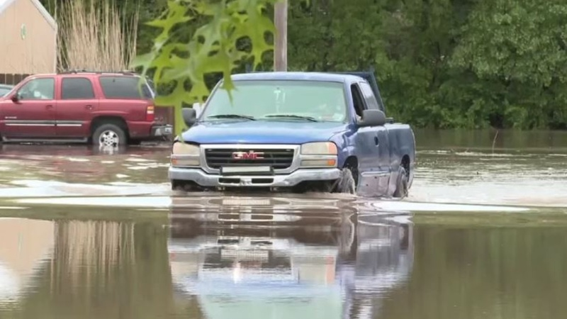 Deadly flash flooding hits South, Midwest U.S.