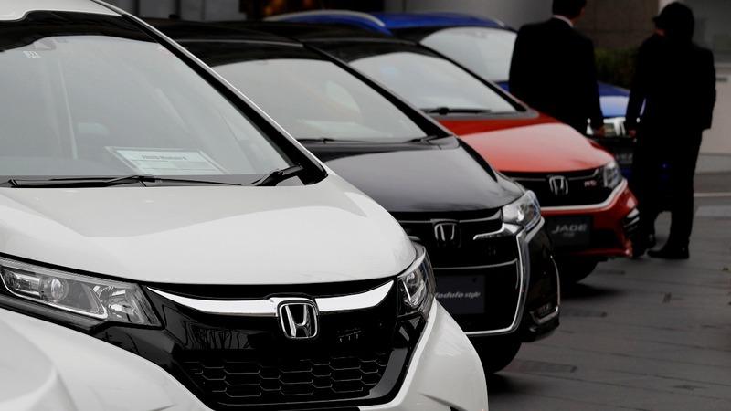 Trump delays decision on imported auto tariffs