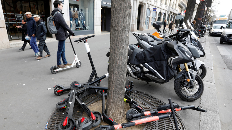Paris Mayor vows to end e-scooter 'anarchy'