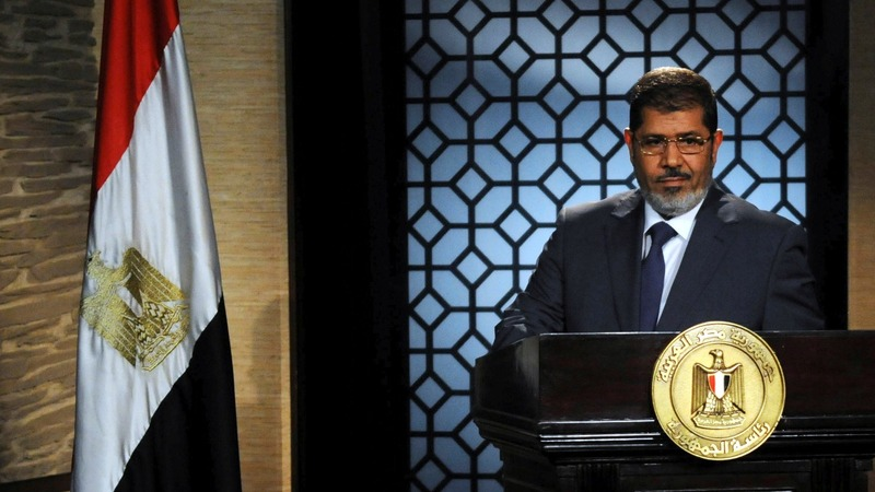 Former Egyptian leader Mursi dies in court