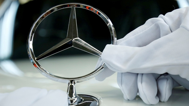 Daimler shares sink on new dieselgate fears