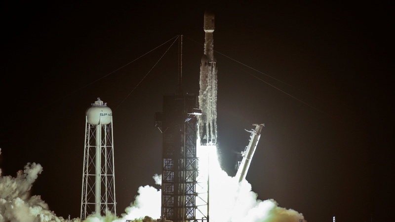 SpaceX launches 24 satellites in one go