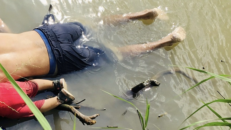 'Awful' photo of drowned migrants sparks outrage