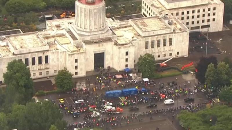 Republican senators still AWOL in Oregon Capitol