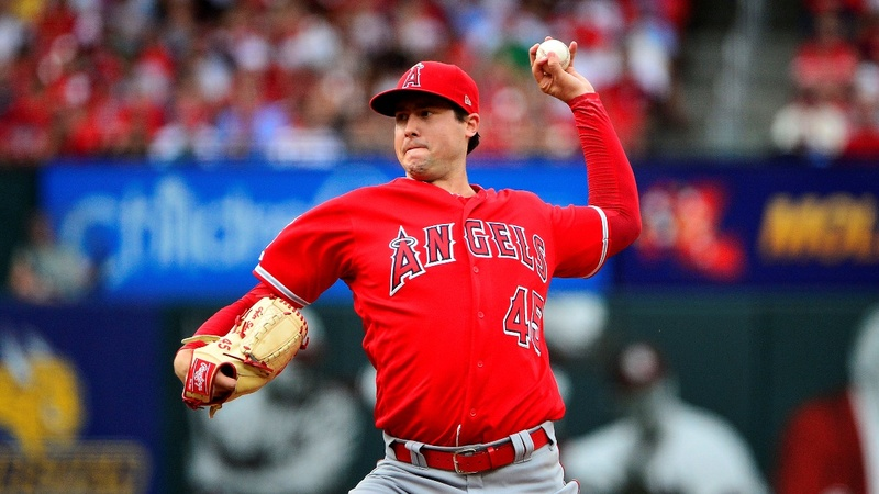 Fans, players mourn Angels pitcher Tyler Skaggs