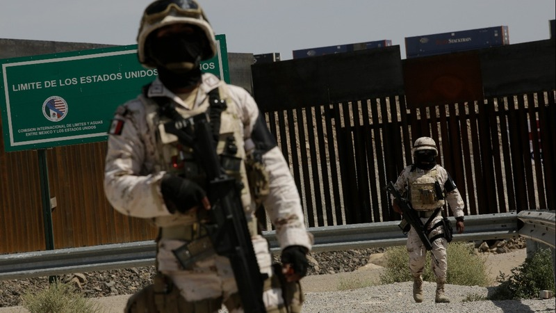 Mexico sends guards to stop migrants as violence soars