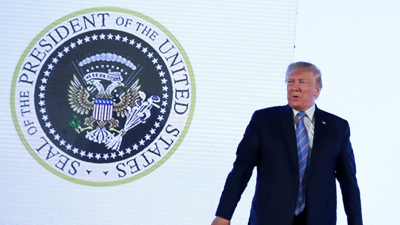Aide fired over doctored presidential seal