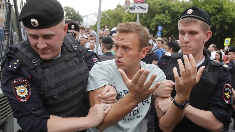 Putin critic to stay in jail despite health plea