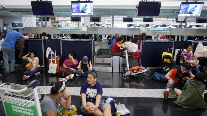 Hong Kong airport shut by protests
