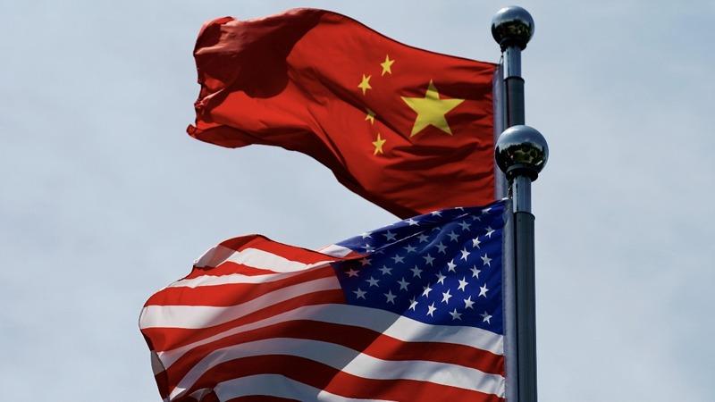 Apple leads Wall St. higher as U.S. delays tariffs
